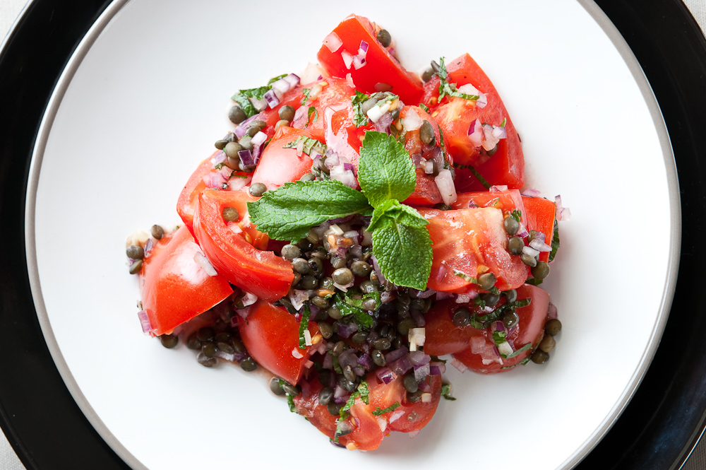 Giant tomato salsa with lentils